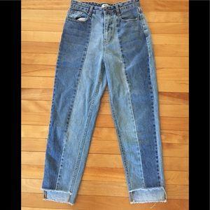 Forever 21 NWOT Mom Jeans Size 25